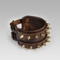 Studs leather wrist band
